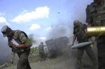 Con il passare delle settimane i bombardamenti sulle città in mano ai separatisti si intensificano.