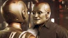 L'uomo bicentenario, regia di Chris Columbus (1999) «Come robot avrei potuto vivere per sempre, ma dico a tutti voi oggi, che preferisco morire come uomo, che vivere per tutta l'eternità come macchina». «E quindi, per seguire il proprio cuore, uno deve fare la cosa sbagliata...»