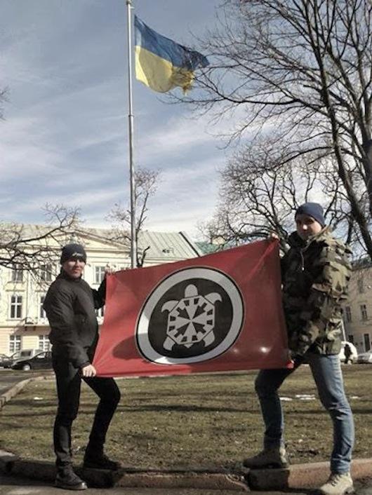 Militanti di Casa Pound sostengono la causa del nuovo governo ucraino a Kiev.