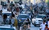 Tripoli pullula di miliziani dell'Isis con le caratteristiche bandiere nere.
