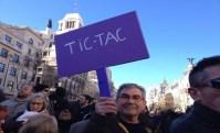 """""""Tic-tac"""", allusione al tempo che resta all'attuale governo di Mariano Rajoy"""