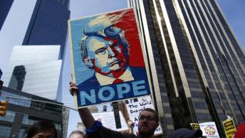 TOPSHOT-US-VOTE-REPUBLICAN-TRUMP-PROTEST