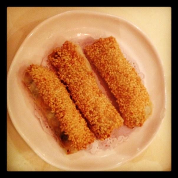 Sesame paper prawn rolls