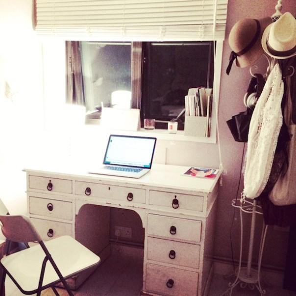 Phoenix on Golborne - my new desk
