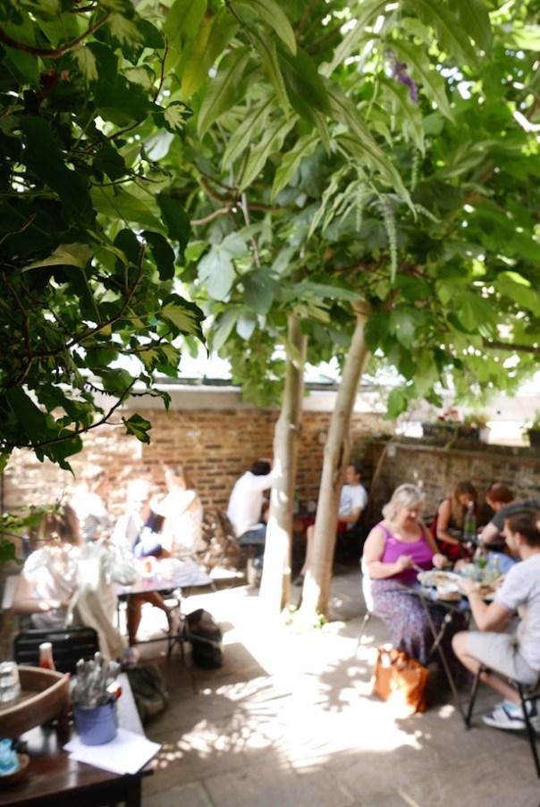 Sunday cafe garden