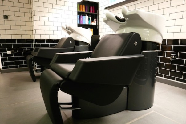 Hair salon hairwashing