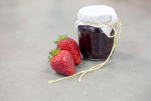 Dewberry & Sauvignon Blanc Jam