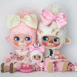 Dr Blythenstein Blythe Pink and White Yarnhead Friends