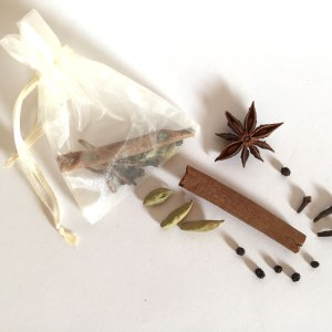 no-essential-oils-diy-chai-tea-frangrance-sachets-hero-photo