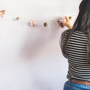 Super Easy Cute Autumn Garland DIY Tutorial