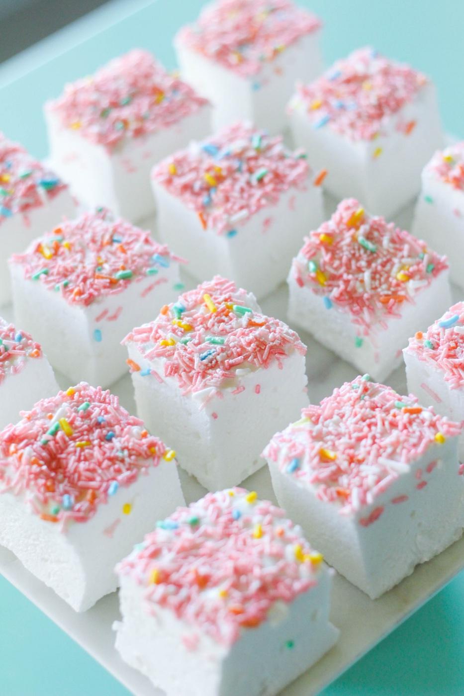 Homemade-Elderflower-Marshmallows-recipe