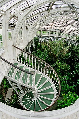 gorgeous staircase of kew greenhouse