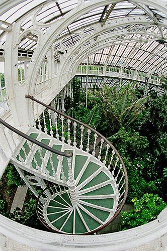 gorgeous staircase of kew greenhouse