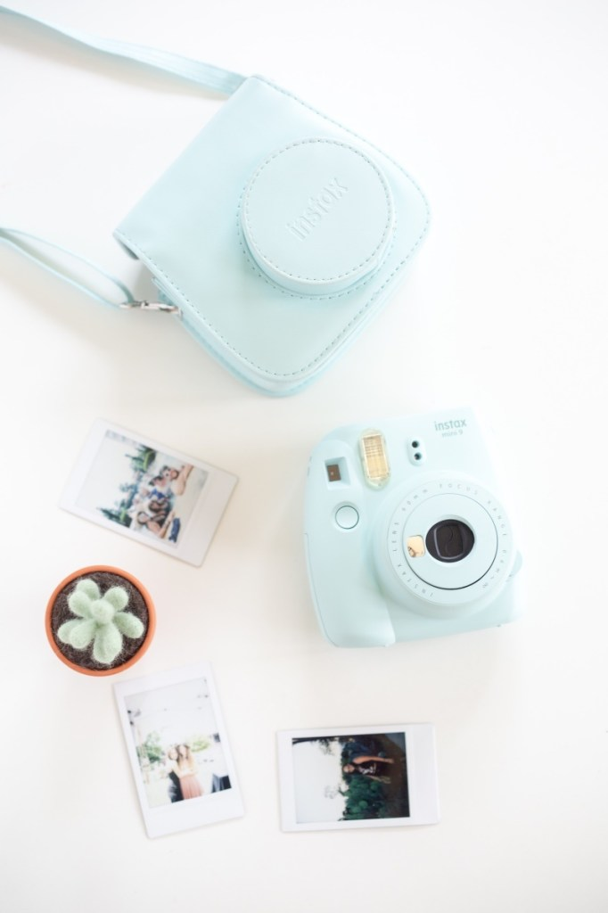 mini 9 instax polaroid camera must have blogging tools