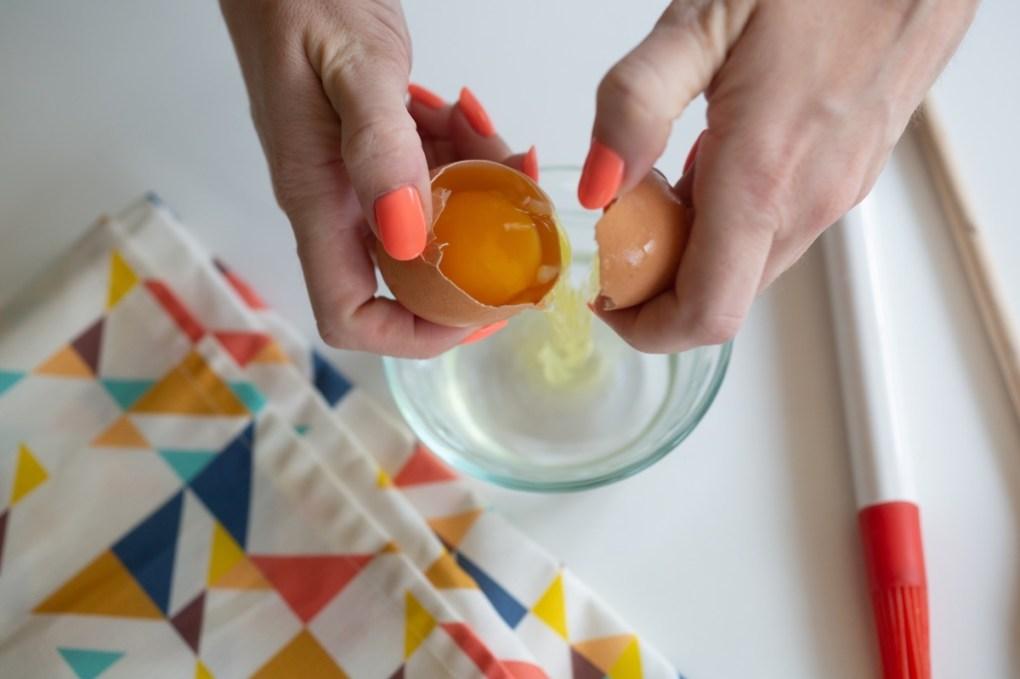 crack and egg to make a homemade egg wash pop shop america