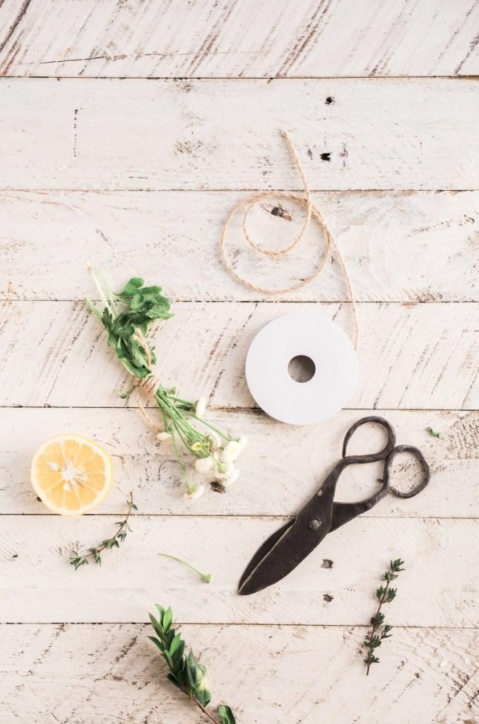 make diy wildflower smudge budles craft tutorial