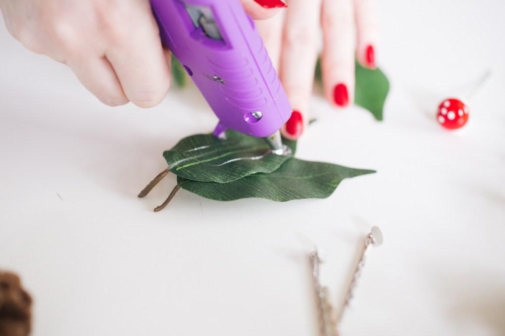 hot glue the leaves to make a diy hair clip