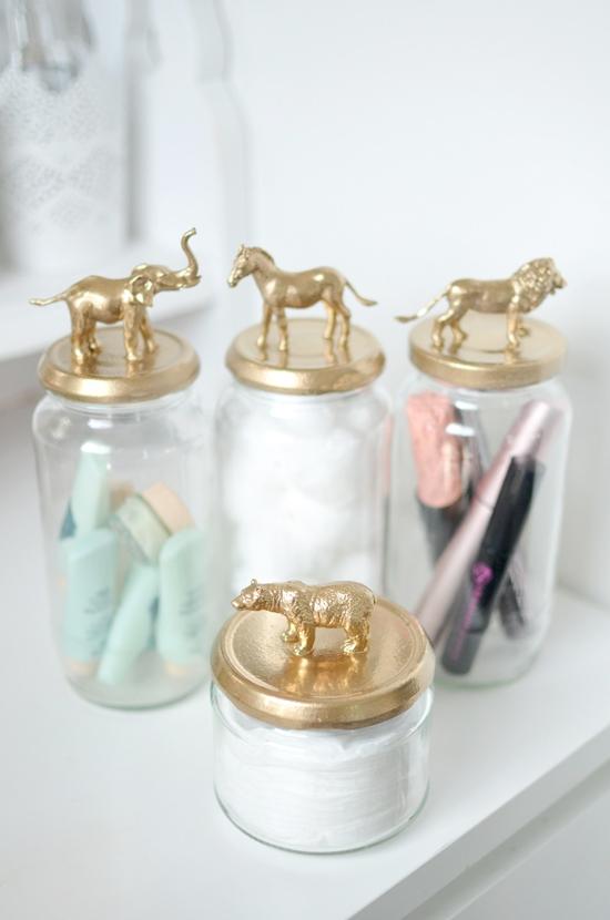 SPRAY-JAR-GOLD-ANIMALS-DIY