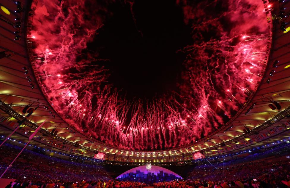 Fireworks explode. REUTERS/Kai Pfaffenbach