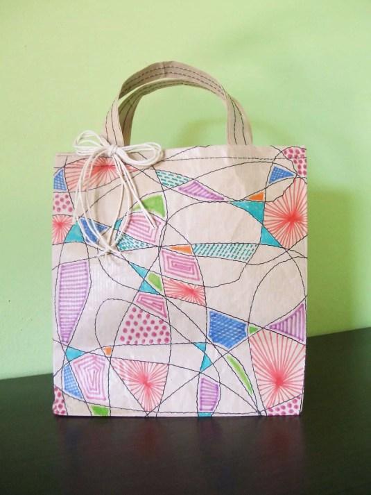 Cómo hacer una bolsa para regalo con papel craft