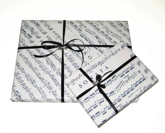 Envolviendo regalos