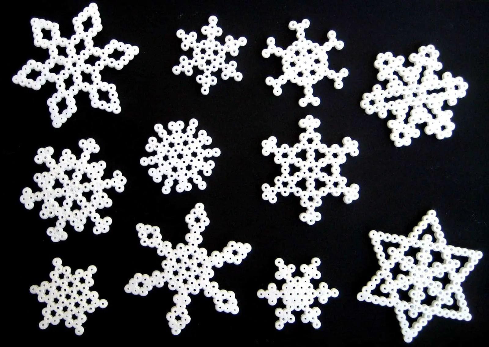Patrones para cuentas hama: copos de nieve