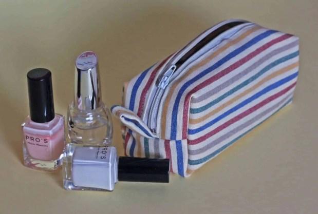 Cómo coser una pequeña bolsa de aseo o neceser