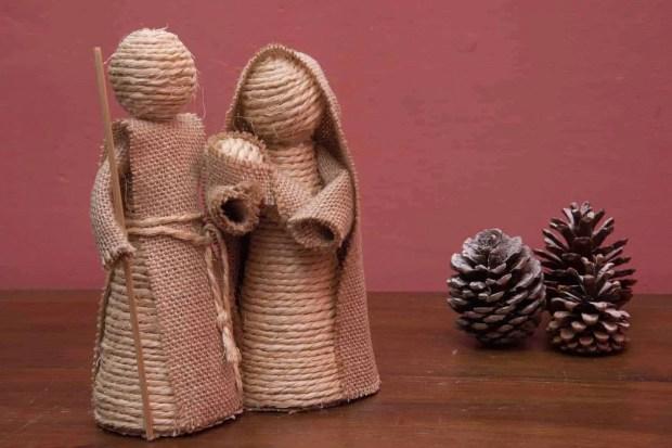 Nacimiento de cuerda y arpillera
