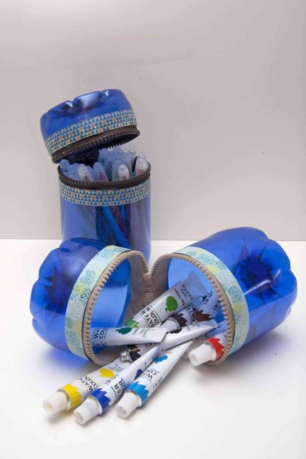 Reciclaje de botellas de plástico para hacer envases. Resultado final