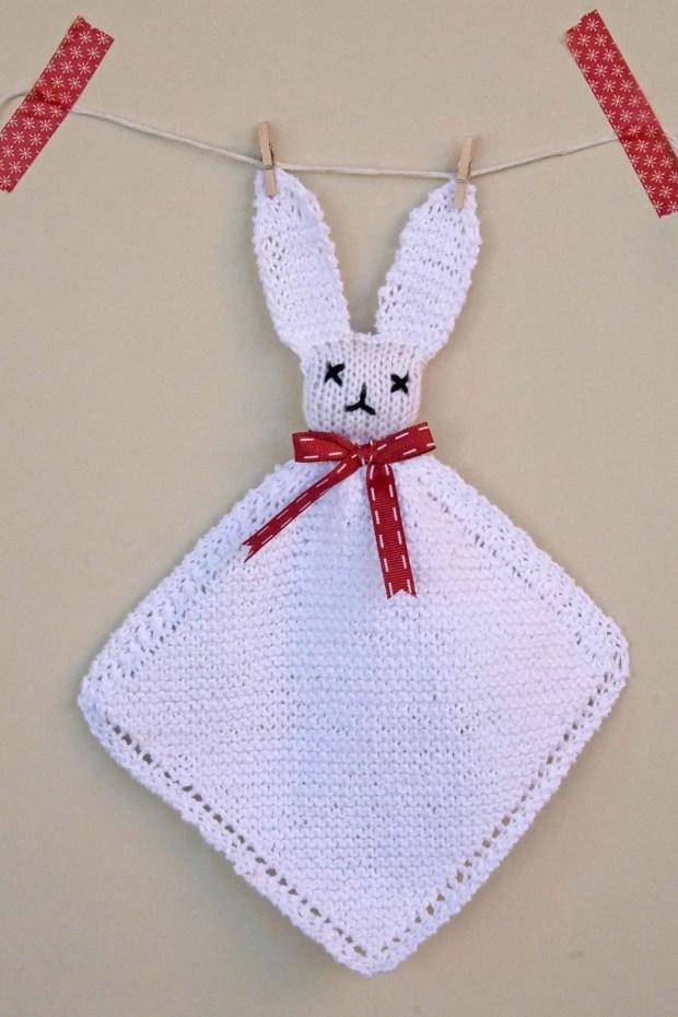 Cómo tejer un muñeco de apego para bebé