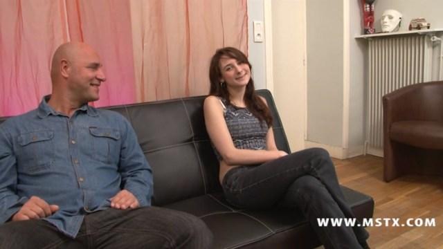 Silvia jouit fortement sur le casting