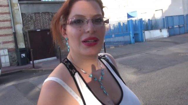 Phoebe, en tourisme chez mickey, s'offre un casting sauvage.