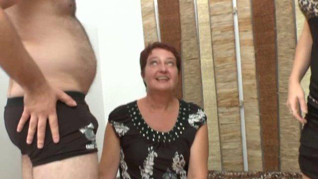 Séance de fist anal extrême pour natasha, bonne maman de normandie!