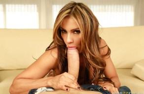 fotos Morenita Esperanza Gomez tiene sexo en el living