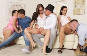 fotos Orgia masiva en un festejo familiar
