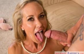 fotos Brandi Love una de las MILF rubias mas calientes del porno