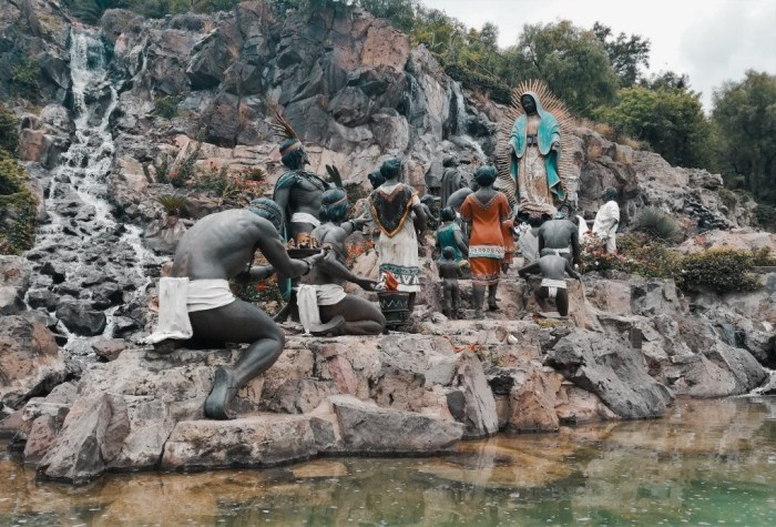 Monumento a la Ofrenda de la Basílica de la Virgen de Guadalupe.