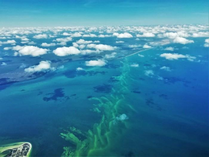 Vista de la Riviera Maya desde el avión.