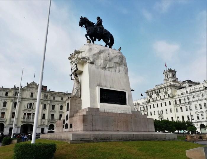 Plaza San Martín de Lima.