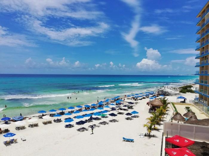 Playa Chac Mool.