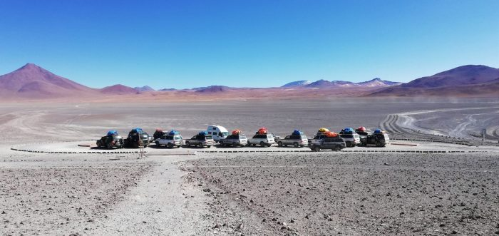 Vehículos 4x4 del tour por Uyuni.