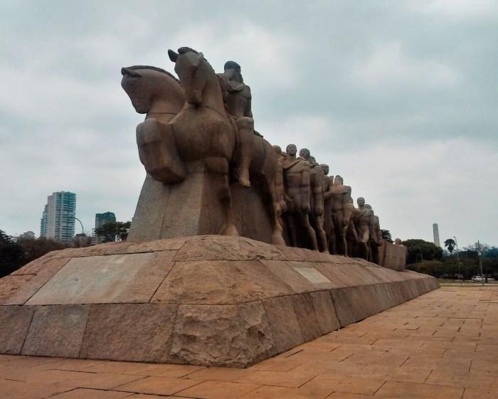 Monumento a las Banderas, uno de los imperdibles de Sao Paulo.