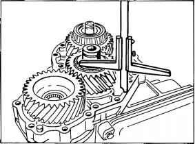 Adjusting the preload of the spur gear taper roller
