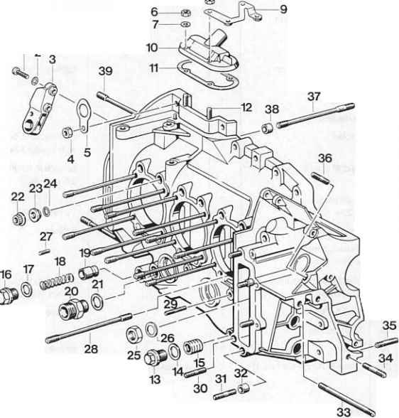 Dismantling and assembling crankcase sections Lefthand