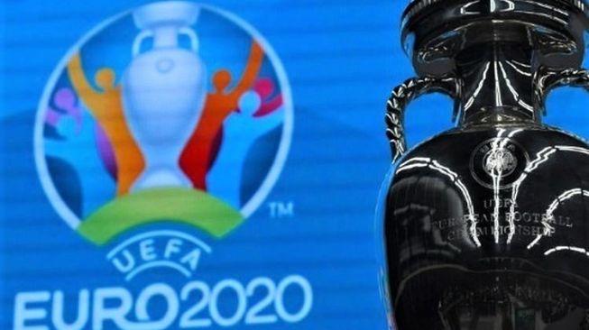 Ilustrasi. Logo dan trofi Euro 2020