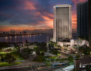 2631759-InterContinental-MIAMI-Hotel-Exterior-2
