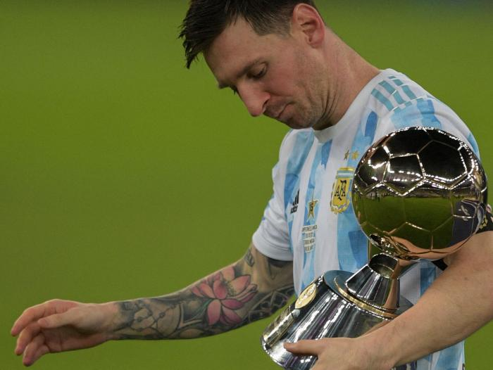 He doesn't need to win the world cup or the copa américa with argentina to clarify this because he show. Lionel Messi Renovacion Dinero Que Se Ganara Con Su Nuevo Contrato En Barcelona Internacional Portafolio