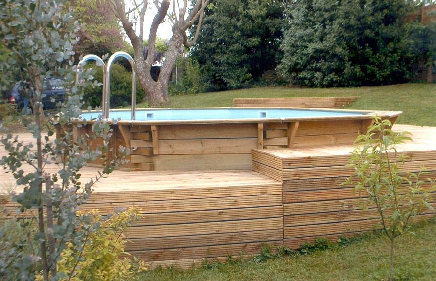 nivrem com terrasse bois avec plots beton diverses