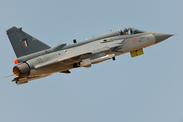 Le LCA Tejas indien sorti des turbulences?