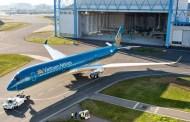 Le premier A350 de Vietnam Airlines est peint